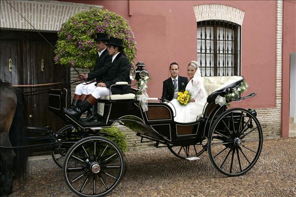 alquiler-coches-caballos-para-bodas-4-634436757673801588