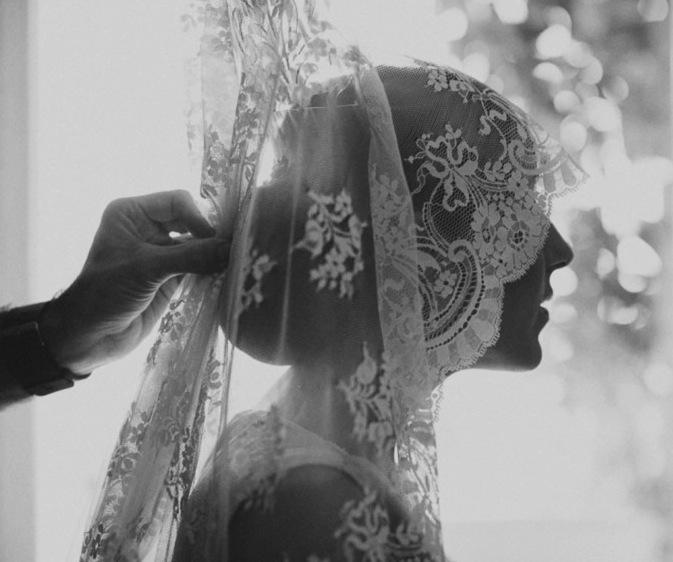 novias-mantillas-blanca